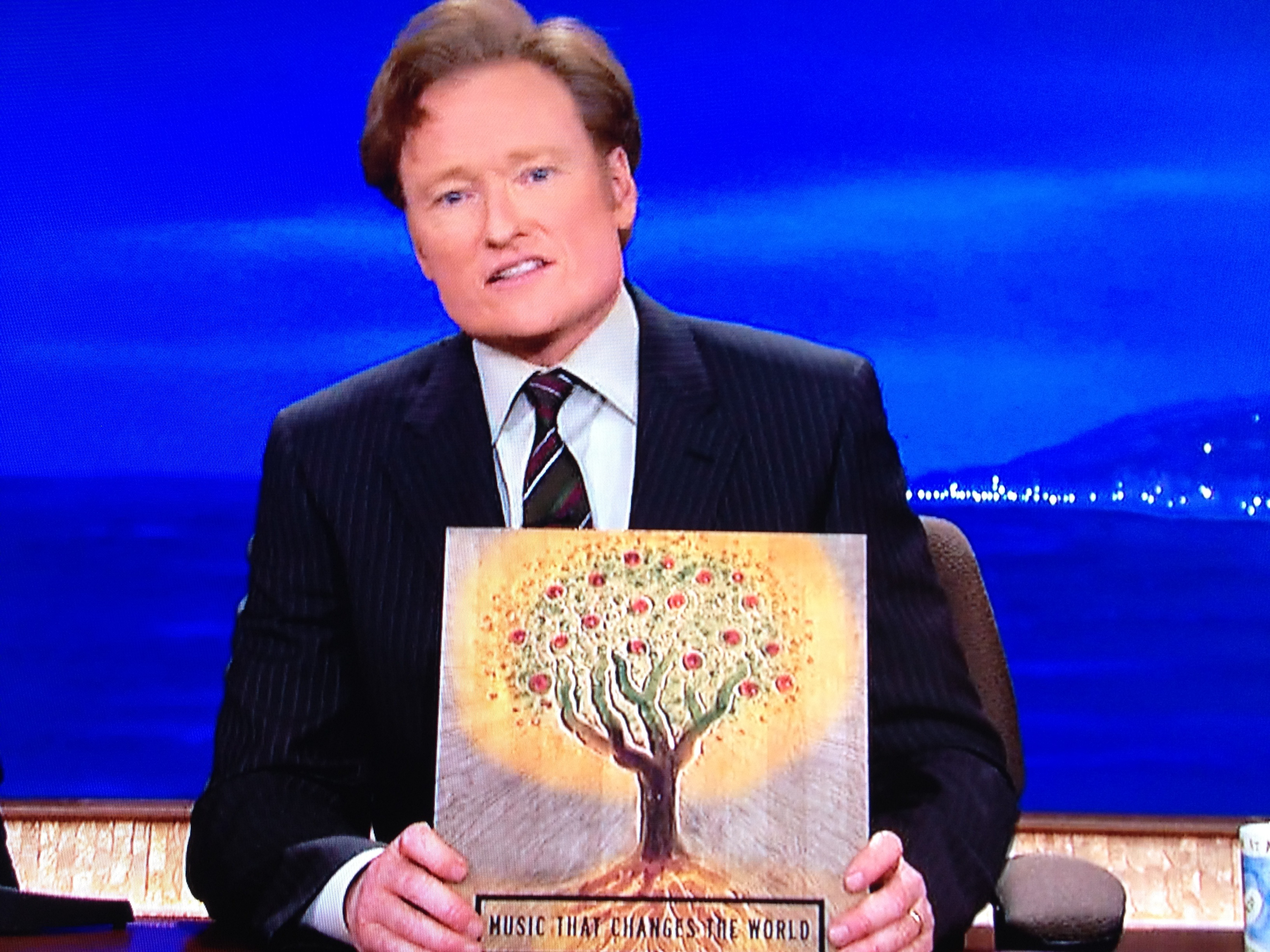 Ode To Donovan By Meghan For Altavoz Conan Introduces